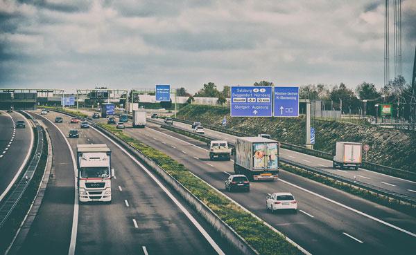 Software-Konzeption für LKW-Flotten
