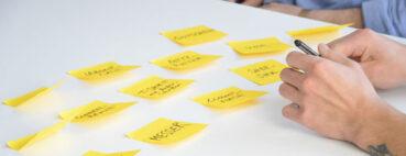 Informationsarchitektur meistern: 3 Card-Sorting-Methoden für eine bessere Navigation
